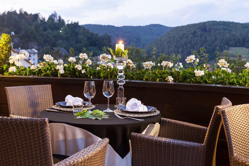 Terrasse Aussicht Hotel Mayr Kastelruth